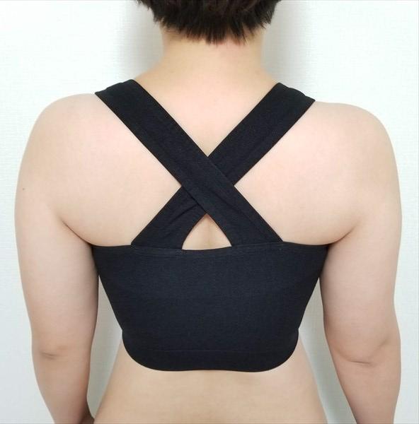 シンデレラマシュマロリッチナイトブラを着用した後ろからの画像